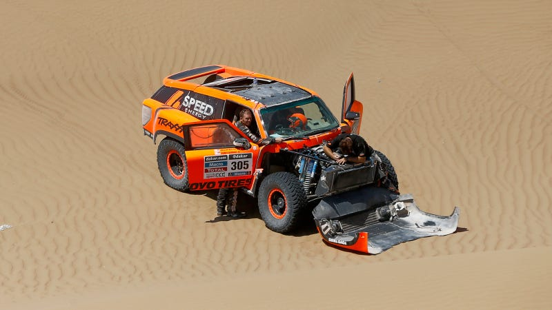Robby Gordon's 2014 Dakar Race In One Picture