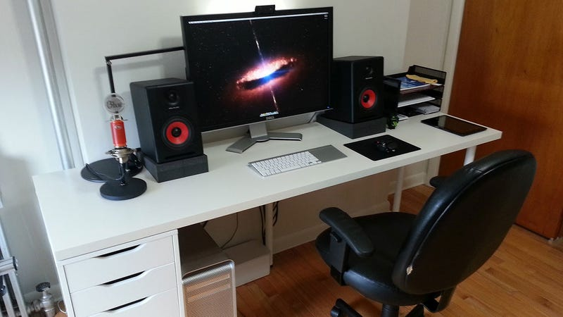 Red, White, and Black: A Simple Recording Workspace