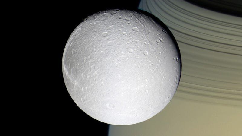 Oxygen discovered around Saturn's icy moon