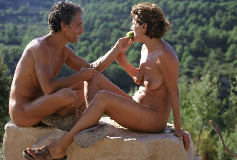 VH1's Dating Naked Would Be So Much Better If There Were Wolves