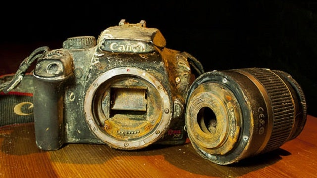 Photographer Uses Google+ to Reunite a Drowned Camera with Its Owner