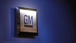 Old GM cashes out, Elon Musk won't sell out, and small cars are cool again
