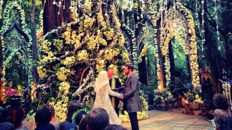 "Here's How ""Tasteful"" and ""Subtle"" Sean Parker's Wedding Really Was"