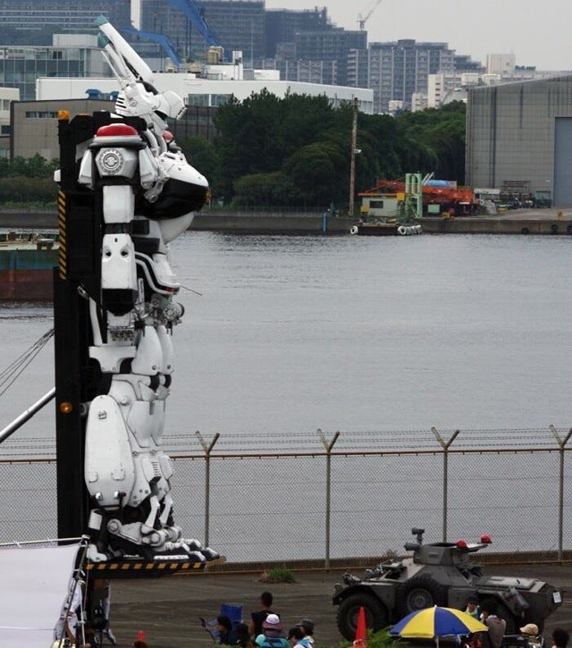 Japanese Mecha Cop Hints at a Glorious Movie Future