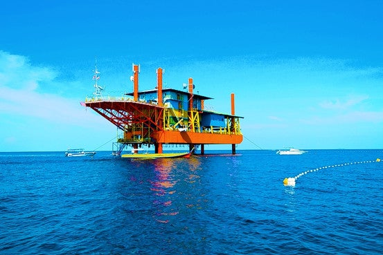 Old Oil Rig Converted Into Brand New Vacation Spot For Scuba Divers