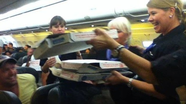 Airplane Pilot Averts Passenger Mutiny by Buying Everyone Pizza