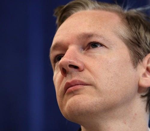 Julian Assange 'Bar-Hopping In Lower Manhattan'?