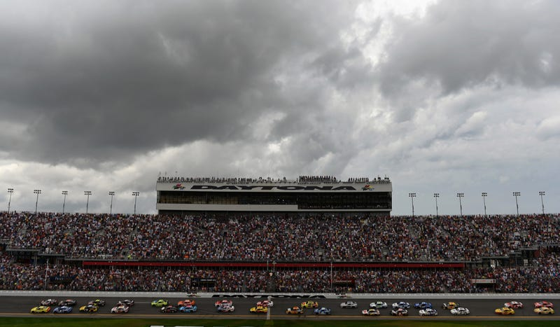 Fans At The Daytona 500 Didn't Know What Was Going On With The Weather
