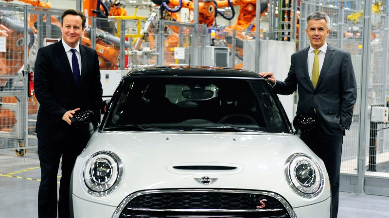 New MINI Makes Worldwide Debut At Plant Oxford