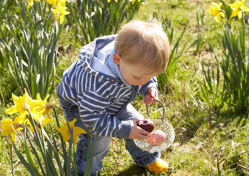 Woman Discovers Dead Body During 4-Year-Old's Easter Egg Hunt