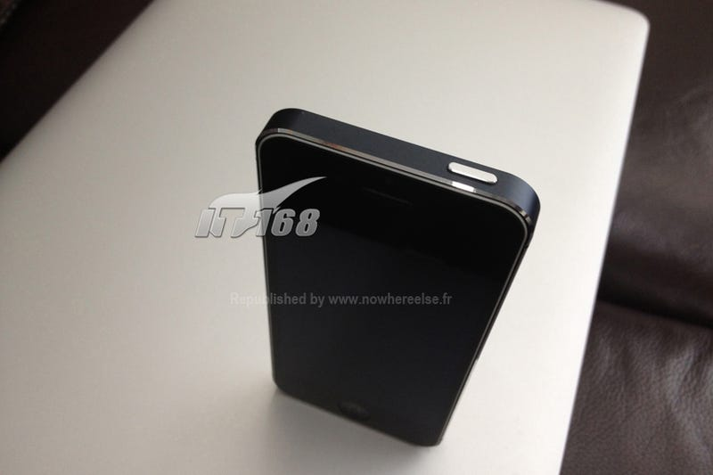 Alleged Photos of Final iPhone 5 Leak Just Before the Event
