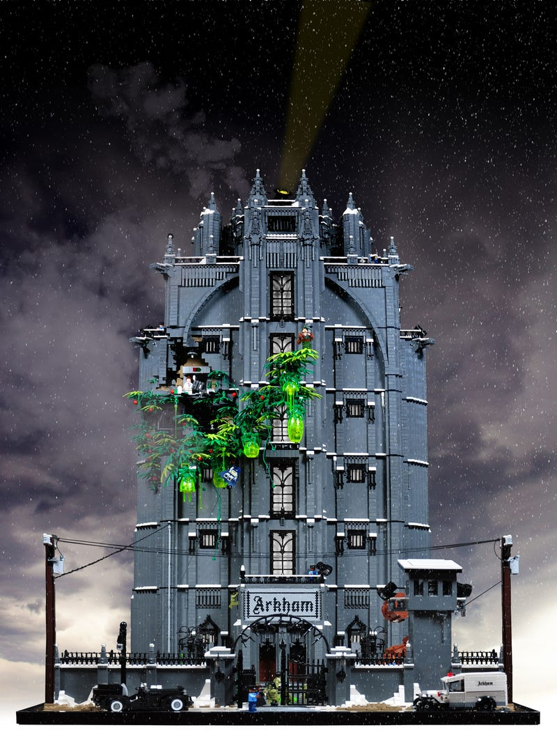 It Took One Year to Make This Criminally Insane LEGO Arkham Asylum