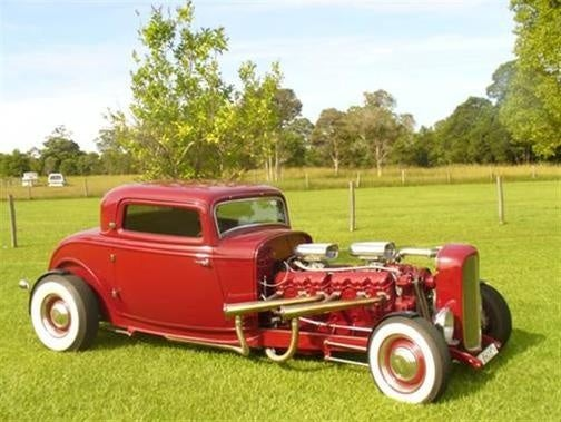 Aussie Nutjobs Drop GMC Twin-Six V12 In Fiberglass Hot Rod