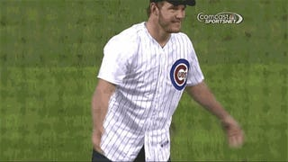 Chris Pratt Threw an Adorably Bad Pitch at a Cubs Game