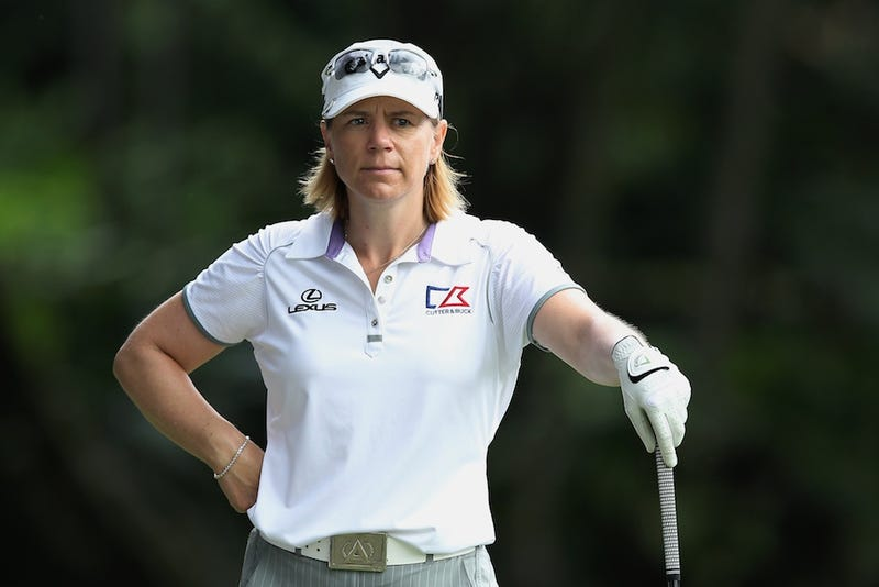 Annika Sorenstam Accidentally Cut Off The Tip Of Her Finger, Then Tweeted The Aftermath [WARNING: GAH!]