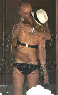 Outside Nation's Borders Lindsay Lohan Exhibits Totally Uncharacteristic Behavior, Plus This Week's Yoko Ono Award...