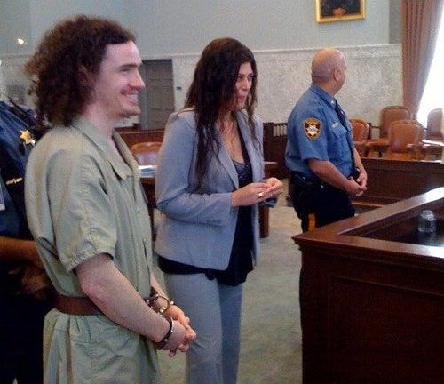 Crack Dealer Gets Married Right After Hearing on Drug Charges