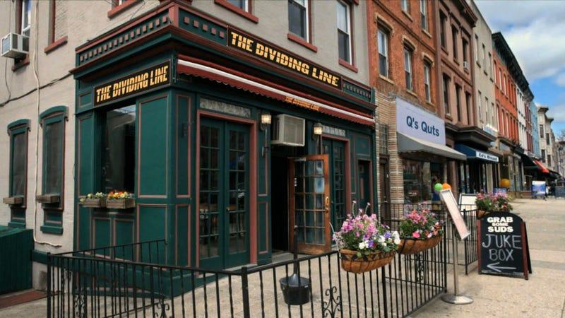 """New Era's """"Chicago Vs. Chicago"""" Spot Is Actually Set At A Hoboken Bar"""