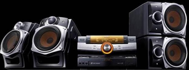 Sony Muteki LBT-ZUX9 Ultimate Party Machine Turns Your Room Into Studio 54