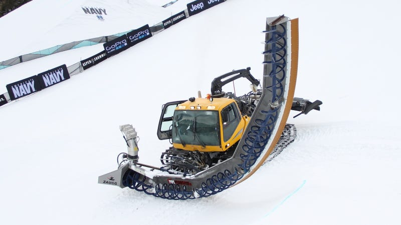 This Snow-Chomping Beast Cuts Half-Pipes For Breakfast