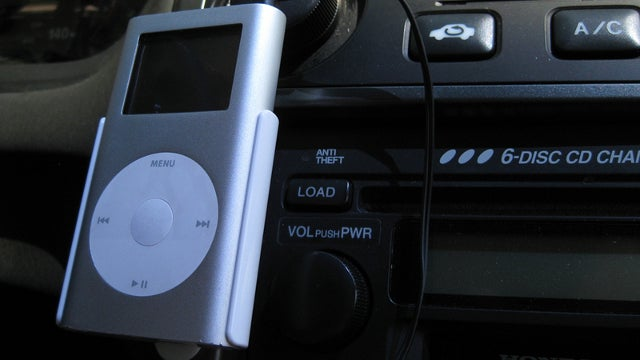 Mount Gadgets to Your Car's Dashboard with a 3M Command Strip
