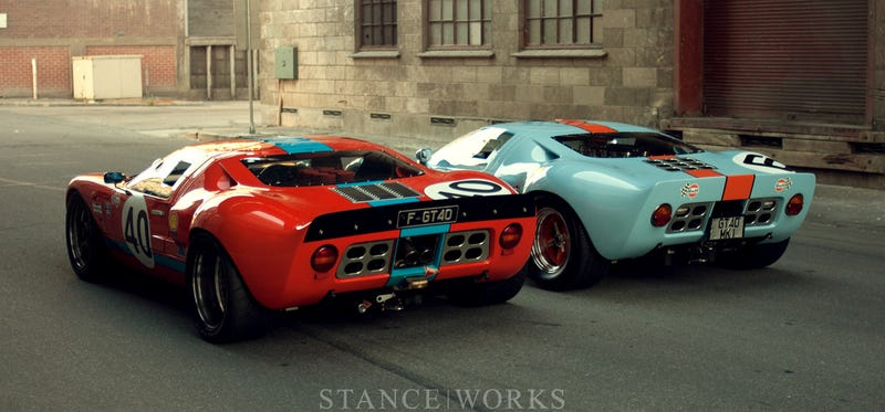 A beautiful pair of GT40s