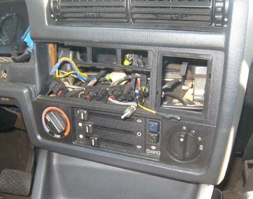 Confound Thieves With A Camouflaged Car Stereo For Under $20!