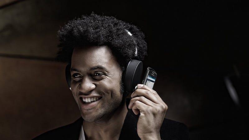 Today's Best Deals: Parrot Zik Headphones, Mini Jambox, Fire Pits