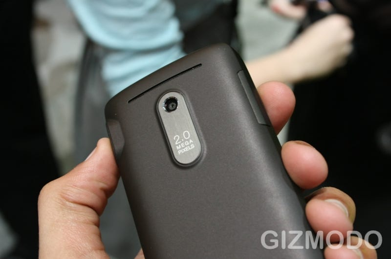 Lose Weight with HTC Snap Hands-On Next to Beautiful Black berry BOLD