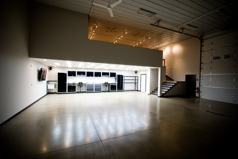 garage condo the ultimate man cave. Black Bedroom Furniture Sets. Home Design Ideas