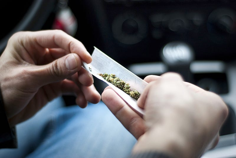 Using Weed To Pay For A Cab Ride In Front Of Cops Is Never A Good Idea