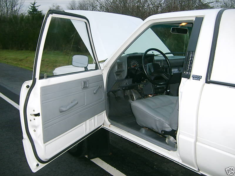 Nice Price Or Crack Pipe: 25K-Mile 1985 Toyota 4WD Truck, $6,000 Price Tag?