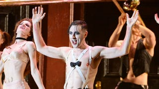 Alan Cumming Explains How a 'Wasted' Shia LaBeouf Disrupted <i>Cabaret</i>