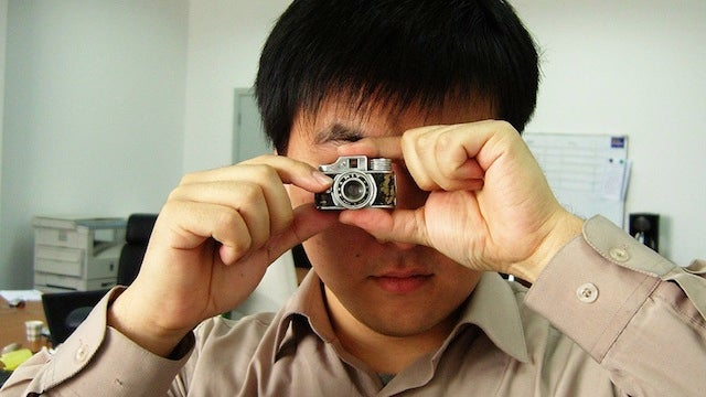 How to Snap Top Secret Photos Without Anyone Noticing