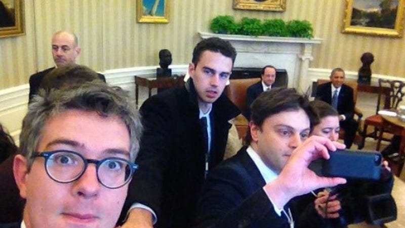 White House Not Happy About French Journalists' Oval Office Selfies