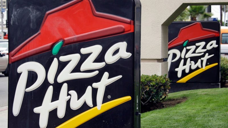 Pizza Hut Manager Arrested For Spitting On a Cop's Food