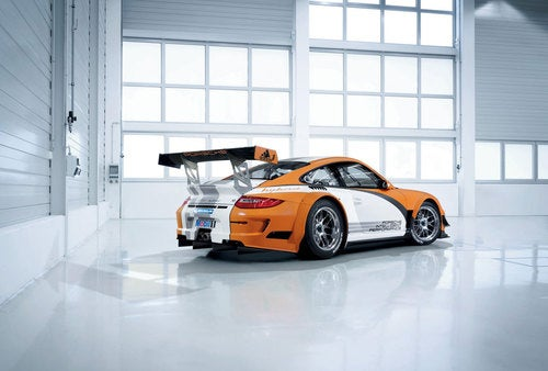 Hybrid Porsche 911 GTR 3 R: First Photos