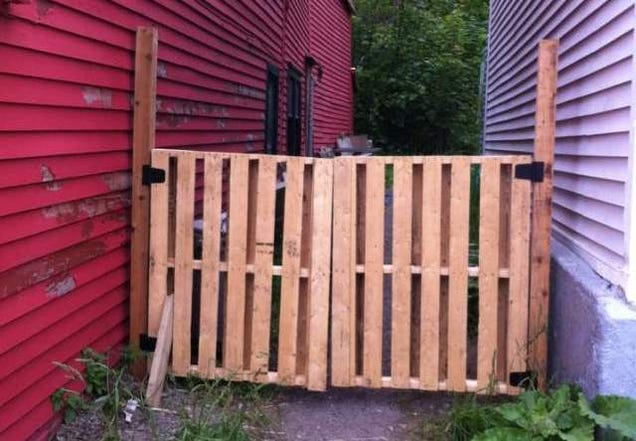 Challenge Winner Build A Simple Gate From A Wooden Pallet