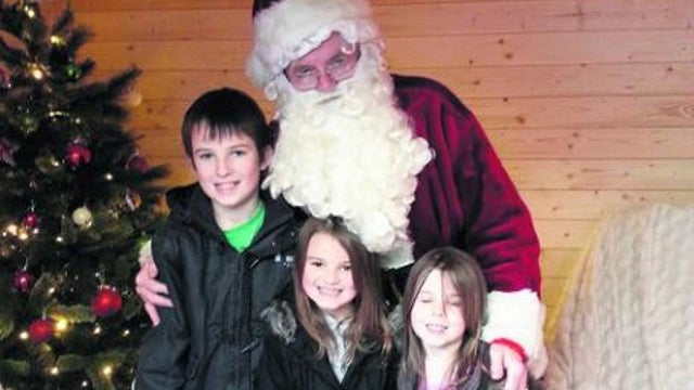Bad Santa Fired For Telling Kids About Sandy Hook Shooting, Revealing That He Isn't Real