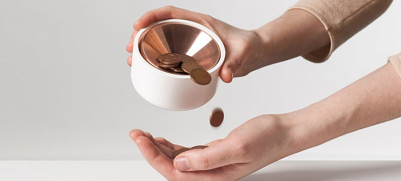 This Piggy Bank Uses Gravity To Let You Know When You've Saved a Buck
