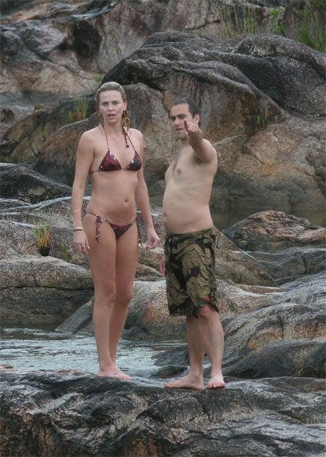 Charlize & Stuart Hit Belize
