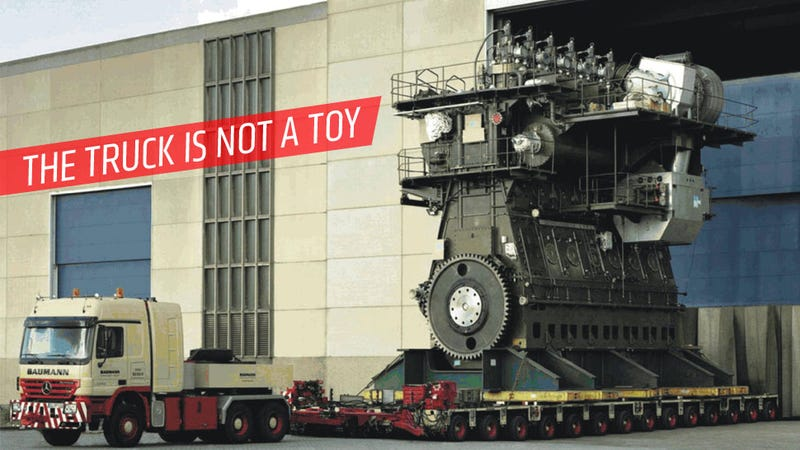 The Largest Piston Engine In The World Makes People Look Shrink-Ray'd