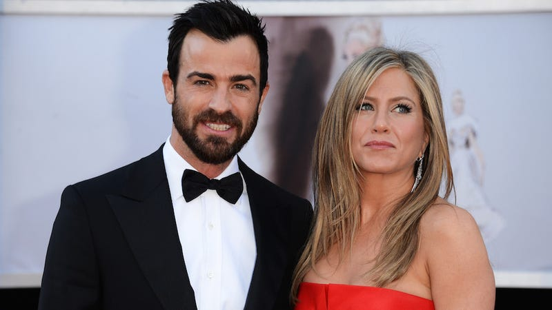 Jennifer Aniston and Justin Theroux Have the Opposite of Cold Feet