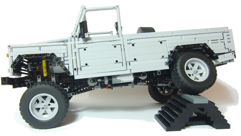 Insanely Detailed Lego Land Rover Even Includes Working Disc Brakes