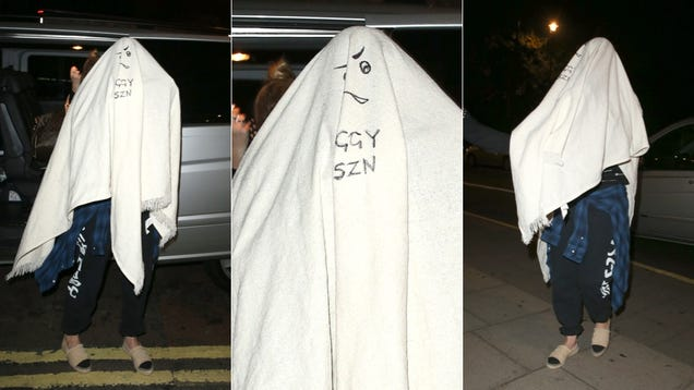The Ghost of Iggy Azalea Spotted Roaming the Streets of London