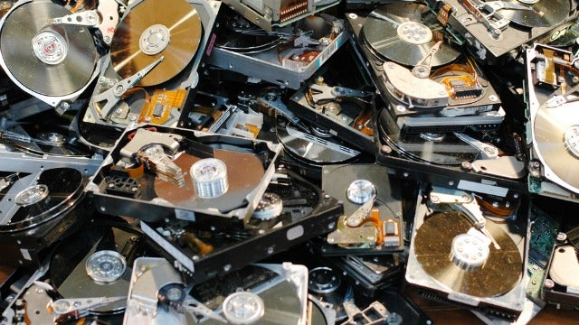 The Internet Archive Has Now Saved a Whopping 10,000,000,000,000,000 Bytes of Data
