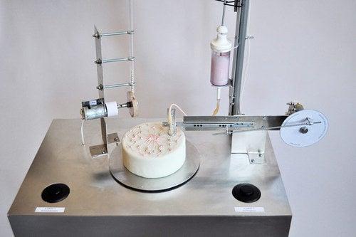 Automatic Cake Decorator