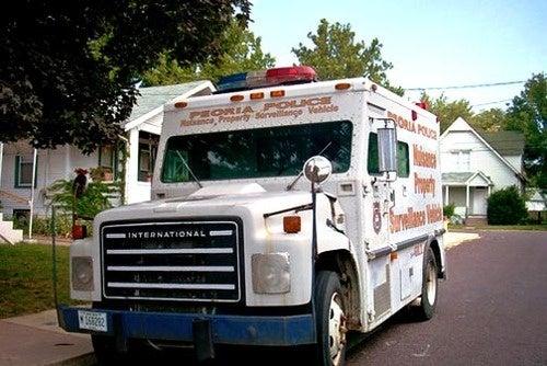 Peoria PD Armored Car Shames Criminals Into Going Straight