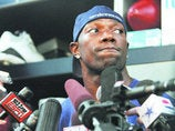 Angry Columnist Says T.O. Owes Werder An Apology