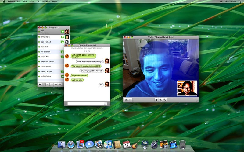 R2D2 Hologram Effect Coming to iChat